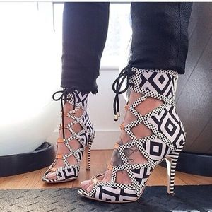 Alejandra G NWT Heels! Size 38!